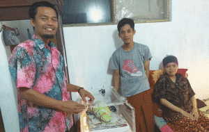 Budiyono Berbagi Manfaat Pinjamkan Inkubator Bayi berbagi manfaat Budiyono: Berbagi Manfaat Pinjamkan Inkubator Bayi (ISKNEWS.COM, 29 Maret 2019) Budiyono Berbagi Manfaat Pinjamkan Inkubator Bayi